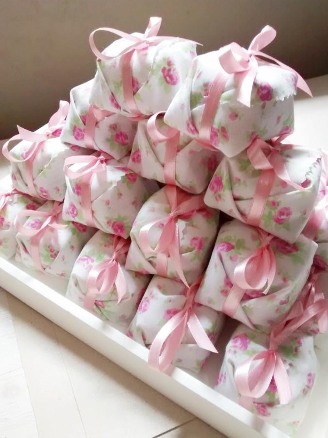 bem-nascido-com-tecido-madeira-doce